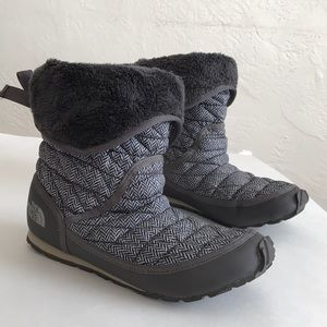 The north face thermal ball booties